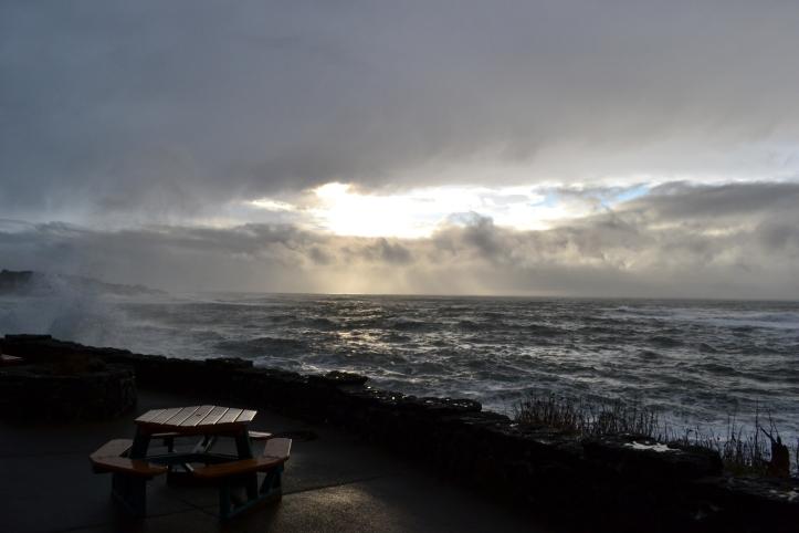depoe bay oregon coast storm waves